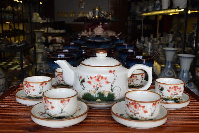 Bộ ấm trà Bát Tràng Vẽ Sen 500ml