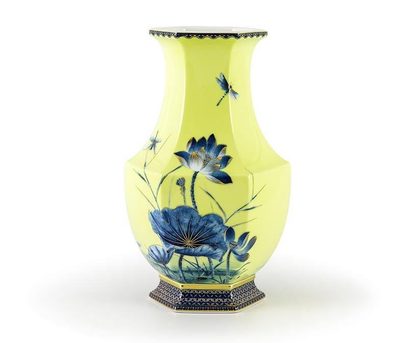 Bình hoa Minh Long Lộc Phát – Sen Vàng Nền Vàng – Cao 28cm