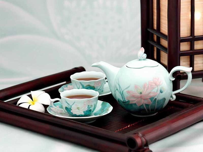Bộ trà ấm Minh Long Sen Màu 0.7L
