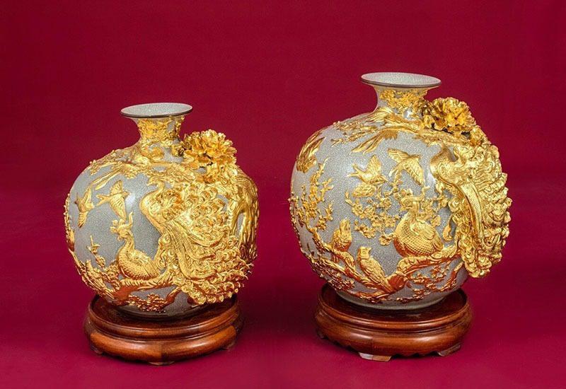Cặp Bình Hoa Tài Lộc Chim Công Vàng – Bát Tràng