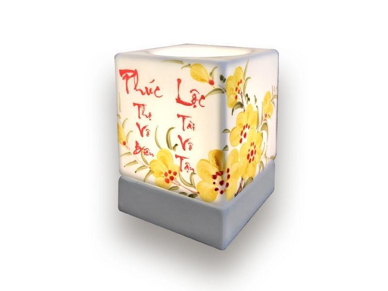 Đèn Xông Tinh Dầu Bát Tràng Dáng Vuông- Thư Pháp