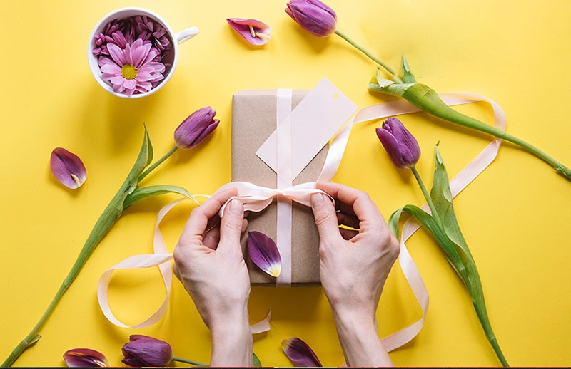 Nên tặng quà sinh nhật gì cho bạn gái? Quà tặng yêu thích nhất 2019