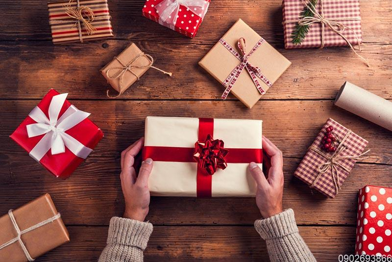 Quà tặng khách hàng | Quà tặng tri ân khách hàng cuối năm