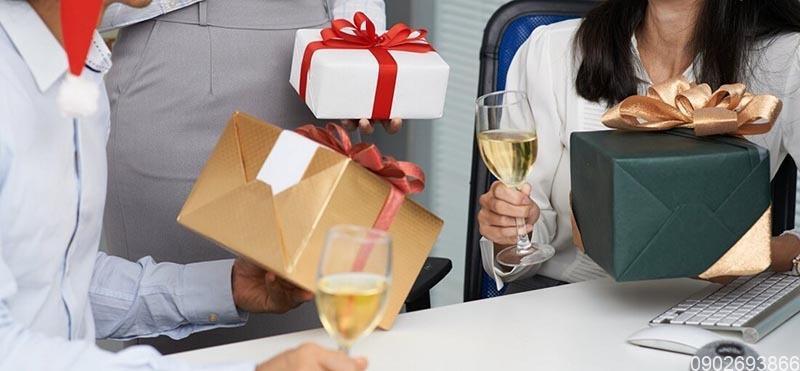 Top 7+ quà tặng cuối năm độc đáo nhất