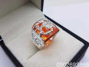 mệnh mộc đeo nhẫn ngón nào