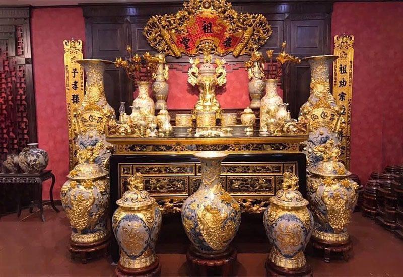 Hướng bàn thờ tuổi Nhâm Dần – Chọn hướng nào mang đến nhiều tài lộc?