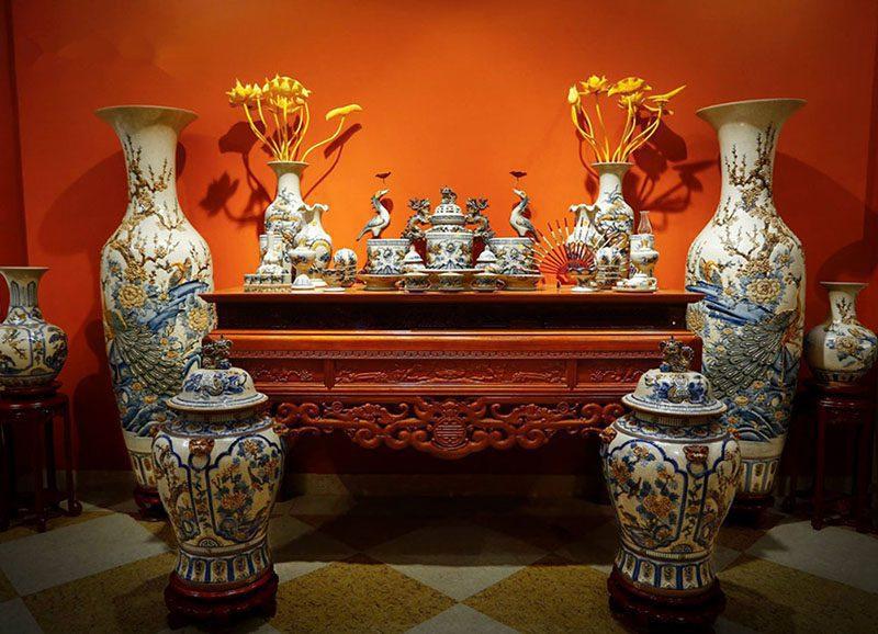 Hướng dẫn tuổi Đinh Tỵ đặt bàn thờ hướng nào?